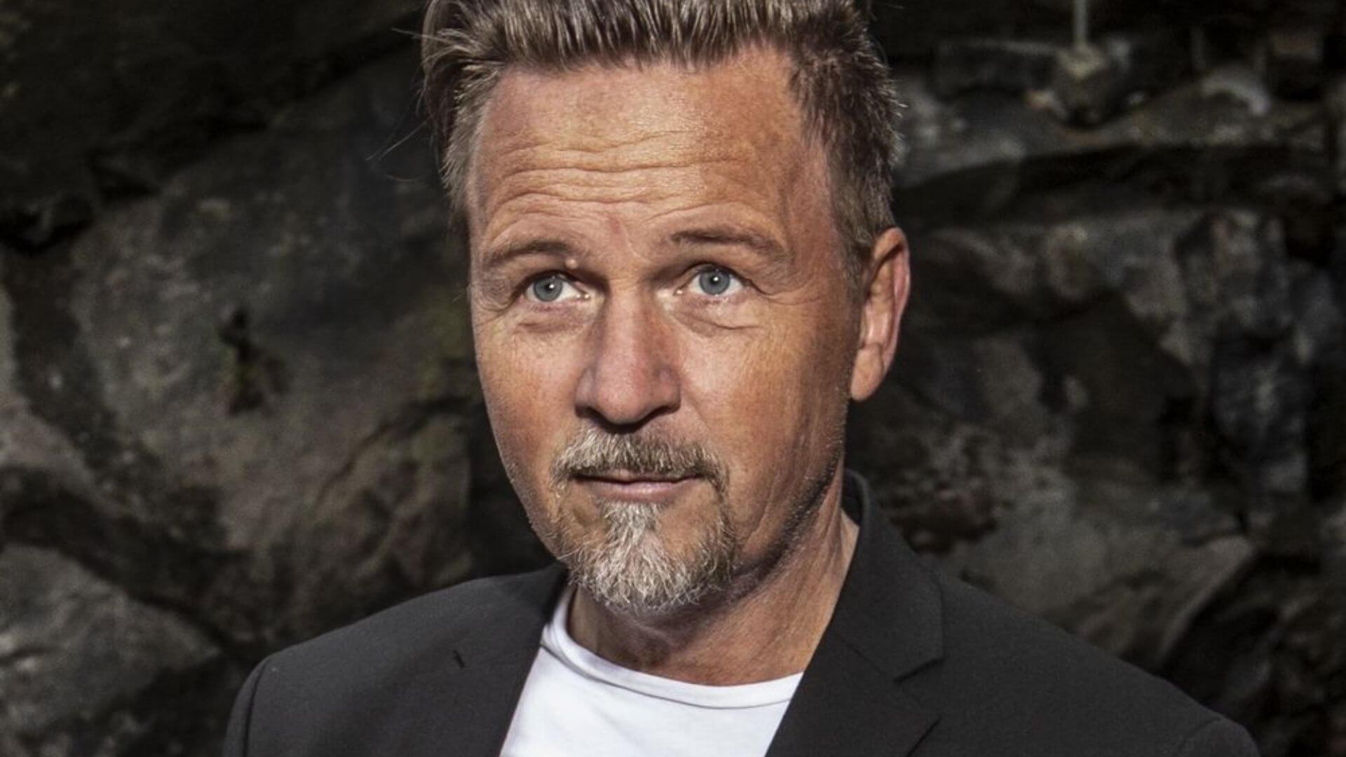 Boka Peter Simson, Scandinavian Artist AB